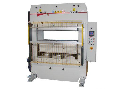 Pressa per stampaggio di fregi e cornici